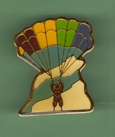 PARACHUTISTE *** 0049 - Parachutisme