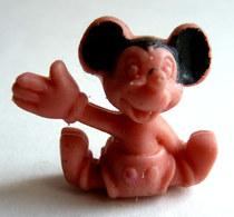 FIGURINE PUBLICITAIRE ESSO 1971 - En Gomme Ou Mousse De Plastique - DISNEY MICKEY - MICKEY Rose Type Glups - Disney