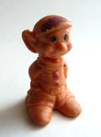 FIGURINE PUBLICITAIRE ESSO 1970 - En Gomme Ou Mousse De Plastique - DISNEY BLANCHE NEIGE - SIMPLET Orange Type Glups - Disney