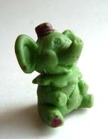FIGURINE PUBLICITAIRE ESSO 1970 - En Gomme Ou Mousse De Plastique - GLUP'S VILLE - FRERE CLOWNISTE C VERT Elephant - Disney
