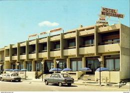 D11  PORT LA NOUVELLE  L' Hôtel Méditerranee  … Avec Renault R16 Et DS Citroen - Port La Nouvelle