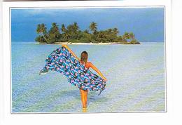 LES MALDIVES (Océan Indien), île De Ranalhi, Jeune Fille Nue Cachée Par Son Pareo,  Ed. Editi Service 1990 Environ - Maldives