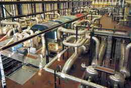 METIERS  /   INDUSTRIE      L 36  / PRODUCTION NUCLEAIRE DE BUGEY CPM / CPSM 10 X 15 - Industrie