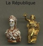 Serie Complete De 2 Feves La Republique - Fèves