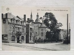 Yvoir. Place Du Centre Et Rue. Animée - Yvoir