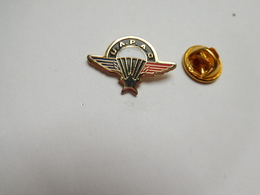 Beau Pin's  , Armée Militaire , UAPAC , Parachutisme - Armee