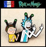 1 Pins Pin's NEUF En Métal ( Brooch ) - Rick Et Morty ( Rick And Morty ) - Cinéma