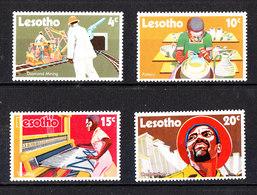 Lesotho  - 1971. Estrazione Diamanti, Ceramista, Tessitore, Edile. Diamond Mining, Pottery, Weaving, Construction. MNH - Altri