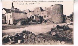 12 LA CAVALERIE  PLACE  D ARMES  ET VUE D ENSEMBLE DES REMPARTS    TBE AV302 - La Cavalerie