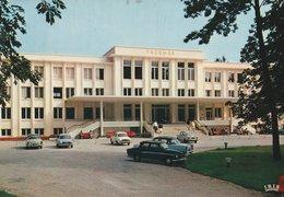 DIVONNE-LES-BAINS (01). Les Thermes. Voitures Des Années 1960 (Transports: Automobile) - Health