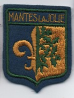 Ecusson Tissu Ancien/Brodé/MANTES LA JOLIE/Yvelines/ Vers 1960-1980    ET282 - Ecussons Tissu