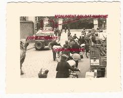 WW2 PHOTO ORIGINALE Soldat Allemand & REFUGIES à BULLY LES MINES P. Mazingarbe Lens 62  PAS DE CALAIS 1940 - 1939-45