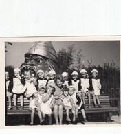 UKRAINE. #1560 A PHOTO. CRIMEA. CHILDREN. KINDERGARTEN. CHERNOMOR. BEAUTIFUL TEACHER. *** - Proyectores De Cine