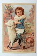 CHROMO LITHOGRAPHIE .. FORMAT 12.5 / 8.5 Cm........ENFANT SUR UN MOUTON A ROULETTES..CHARIOT ..POUPEE...JOUETS - Vieux Papiers