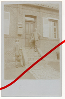 Original Foto - Lambres Bei Douai - 1917 - Haus Mit Deutschen Soldaten - Bethune