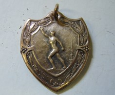 Méd. 8. Médaille En Bronze St Niklaas-Waas 3eme Soc Gouwfeest  1929. Graveur : H. Heusers - Professionnels / De Société