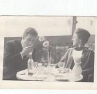 RUSSIA. #1570  A PHOTO. A RESTAURANT. CHEST, BEAUTIFUL COUPLE. MAN SMOKING. *** - Proyectores De Cine