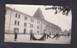 Photo Originale  Suisse VD Guerre 14-18 Ecole De Recrues Yverdon Les Bains Corvée De Couvertures - VD Vaud