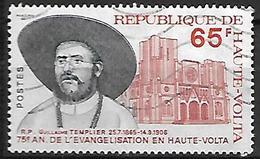 HAUTE - VOLTA    -     1975 . Y&T N° 376 Oblitéré.  R.P. Guillaume TEMPLIER  /  Evangélisation / Eglise - Haute-Volta (1958-1984)