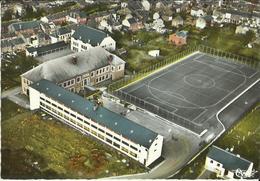 Saint - Hubert -- Vue  Aérienne -Institut Saint - Joseph - Terrain De Football.   (2 Scans) - Saint-Hubert