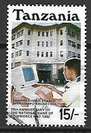 TANZANIE    -   1992 .  Oblitéré.   Banque De Commerce  /  Ordinateur - Tanzanie (1964-...)