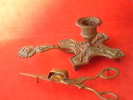 Bougeoir Et Mouchette - Bronzes
