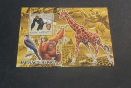 M4973 - Bloc MNH Guine-Bissau - 2005 - Fauna De Africa - Gorilla - Giraffe - - Gorilles