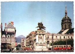 CLERMONT-FERRAND .- Statue De Vercingétorix Sur La Place Jaude CPSM - Clermont Ferrand