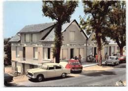 """AUMONT-AUBRAC .  """" Chez Camillou """" Restaurant Hotel Voitures. Peugeot 404 Simca 1000 Aronde. Oldtimer - Aumont Aubrac"""