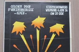 Cpa/pk Affiche Ieper St Vincentiuscollege 1956 ABN- Vuurwerk - Affiches
