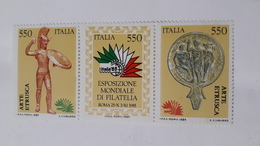 ITALIA 1984 ARTE ETRUSCA (DOPPIA STAMPA NERO) - Abarten Und Kuriositäten