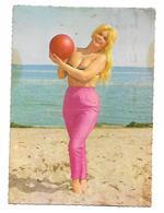Pin Ups Ball Girl - Pin-Ups