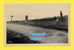 CPA  42 SAINT BONNET Le COURREAU  ֎  Vieille Croix De BEAL Animée  ֎ Peu Courante - Autres Communes