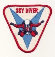 SKY DIVER - Parachutting