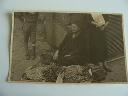 Venditrice Mandorle   Fotocartolina    Luogo Da Identificare  Ritrovate A Bari    Originale Foto  13,5 X 9   Lotto Ba11 - Luoghi