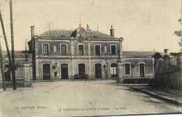 FONTENAY  Le COMTE ( Vendée) La Gare RV - Fontenay Le Comte