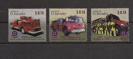 El Salvador... 3 Werte.. Historische. Feuerwehrautos... Fire-fighting Vehicle - Firemen