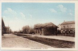 LA VALBONNE - La Gare    (112899) - Autres Communes