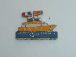 Pin's BATEAU POUR LONDRES, FRANCE - ANGLETERRE - Bateaux