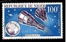 NIGER Aer65° 100f Bleu Et Violet-brun Conquête De L'espace Gémini VI Et VII (10% De La Cote + 0,15) - Niger (1960-...)