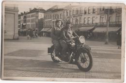 Couple On A Motorbike On Visserskaai Oostende - Photocard - & Motorbike - Belgium