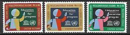 NATIONS - UNIES    -    1964 .   Y&T N° 130 / 132 **.   Education  /  écolier écrivant Au Tableau - New-York - Siège De L'ONU