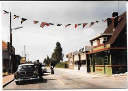 BRAY-DUNES  (NORD) LA DOUANE FRANCAISE- Magasin PALAIS DU PICON,DRAPEAUX - Photo Originale Années 60-COMBIER CIM àMACON - Luoghi
