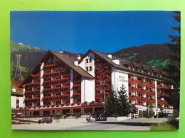 LAAX, Grisons, Suisse Schweiz,  Hotel Laaxerhof , Auto, TB - GR Graubünden