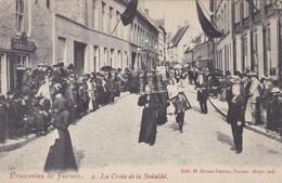 Veurne, Procession De Furnes, La Croix De La Sodalité (pk58778) - Veurne
