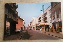 HAGONDANGE, La Rue Voltaire - Commerce, Voiture ( 57 Moselle ) - Hagondange