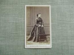 CDV PHOTO FEMME ROBE  PHOTO MULNIER 75 PARIS - Oud (voor 1900)