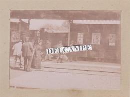 NIORT LA GARE 1880/90 - Photo Originale Sur Le 7ème Régiment De Hussards, Le Départ Par Le Train ( Deux Sèvres ) - Luoghi