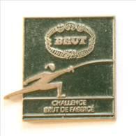 Pin's BRUT - Challenge BRUT DE FABERGE - Escrimeur - I210 - Scherma