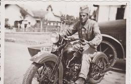SERBIA , KINGDOM OF YUGOSLAVIA   -- SERBIAN ARMY  --    MOTORBYCYCLE  --  ORIGINAL PHOTO   8,8 Cm X 6,3 Cm - Militaria